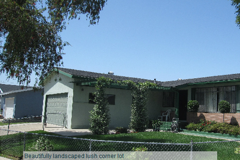 lushcornerlocationinClairemont1